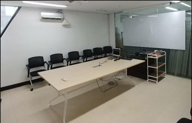 서울 본사 회의실
